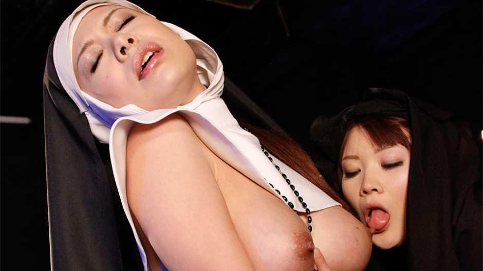 Freaky foursome action at black magic ward - Japan HDV