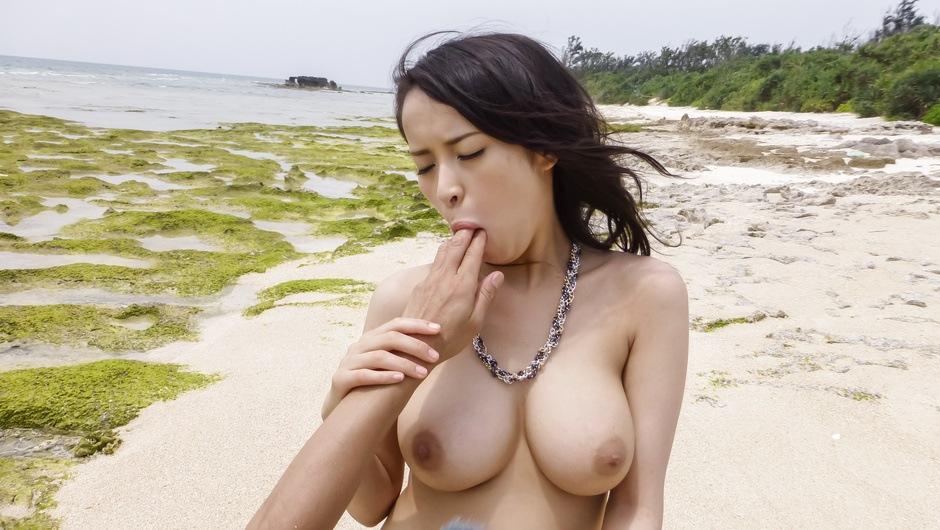 Big titsKyouko Makihaving sex in outdoor - AVTits