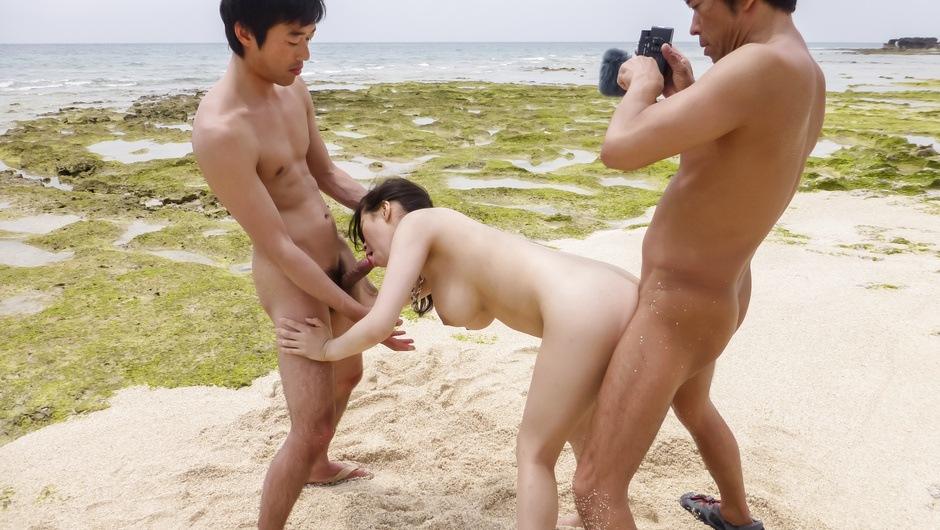 Asian outdoor sex along bustyKyouko Maki - HeyOutdoor