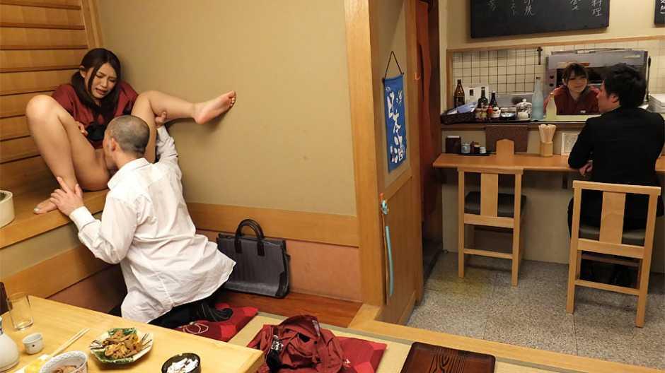 The magic restaurant with Kyoka Makimura and Sakura Aoi fucking men - Japan HDV