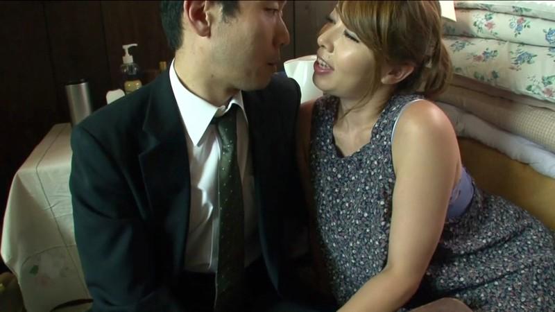 [J99-014C] A Female Boss Eating Her Customers Whole Yumi Kazama In-store Love Affair - R18